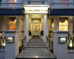 London Lodge Hotel, courtesy of LondonLodgeHotel.com